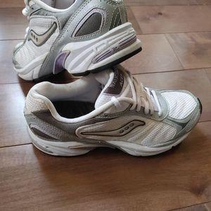Women's Saucony Acen Running Walking shoes size 6